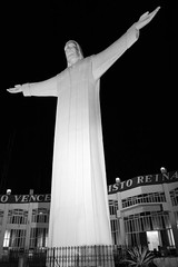 Cristo Vence, Cristo Reina