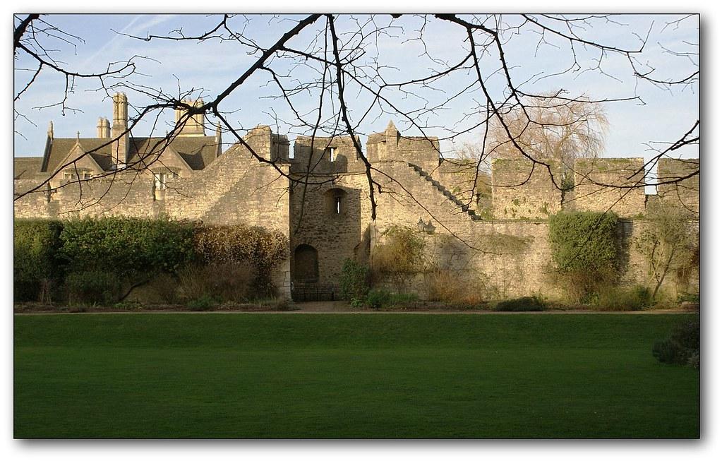 Oxford city walls