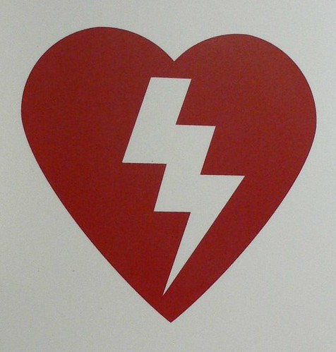 Happy Valentine's Day - May your heart not be pierced by warheads attached to former tree bits. by mélomane.