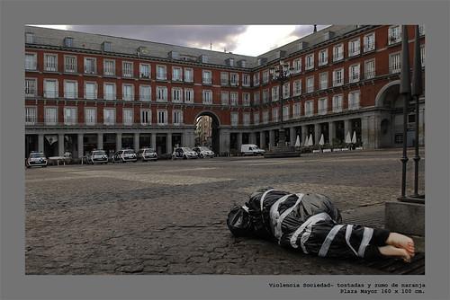SOCIEDAD - VIOLENCIA, tostadas y zumo de naranja por alejandro_maureira.