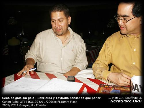Razziel24 y ToyRolla pensando que poner