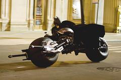 Batman sobre duas rodas - Clique para fazer o download em alta resolução