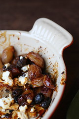Honey-Roasted Shallots pan