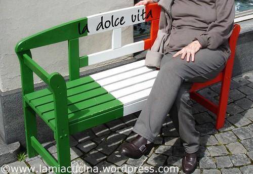 Frau L. übt dolce vita