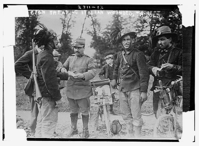 -Sur[geon] treating wounded, Tripoly (LOC)