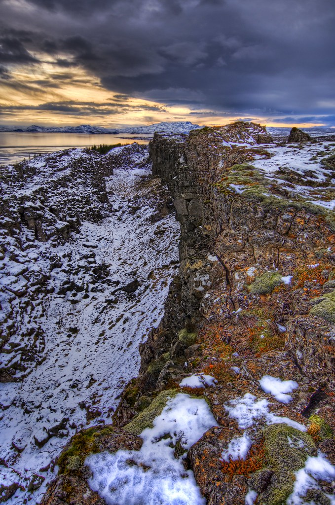 The Mid Atlantic Ridge in Iceland - Where the continents split apart