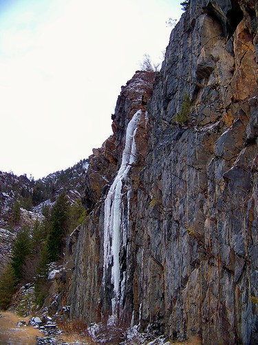 Winter waterfall 2