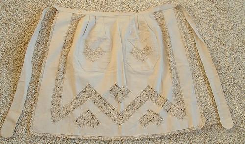 vintage apron with crochet details