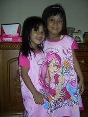 Yasmin & Nina bagai anak kembar
