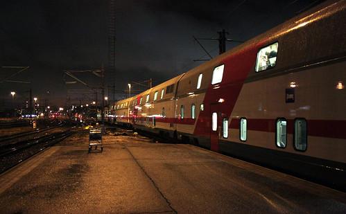 Kaksikerroksisia makuuvaunuja Helsingissä