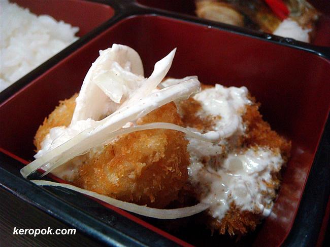 bite-sized bread-crumbed deep-fried chicken & cuttlefish