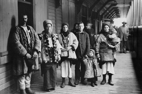 Galician immigrants, Québec, ca. 1911 / Immigrants galiciens, Québec, vers 1911