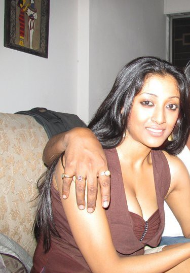 Paoli hot photos cleavage