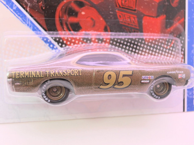 hot wheels vintage racing darrell waltrip's mercury cyclone (3)