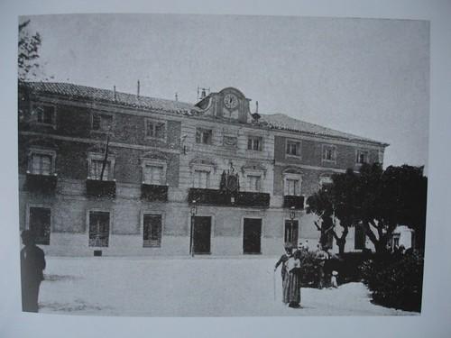 Ayuntamiento de Alcalá de Henares en 1905