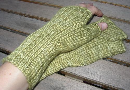 easy mitt again green hand