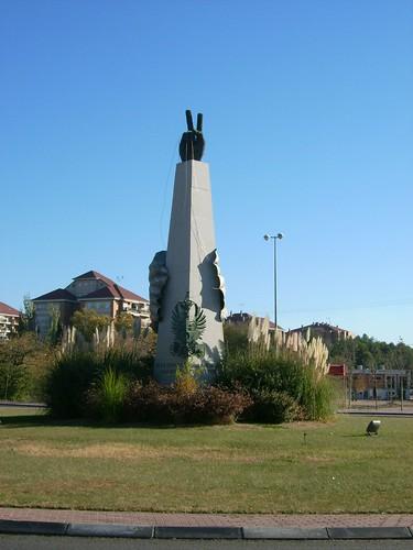 Monumento a los paracaidistas