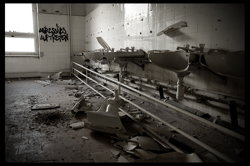 urbex urban exploration decay abandoned infiltration Germany Deutschland sanatorium kindersanatorium