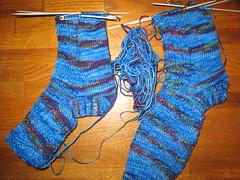 Socks_2008May25_JitterBug_RailwayStitch_blue_WIP