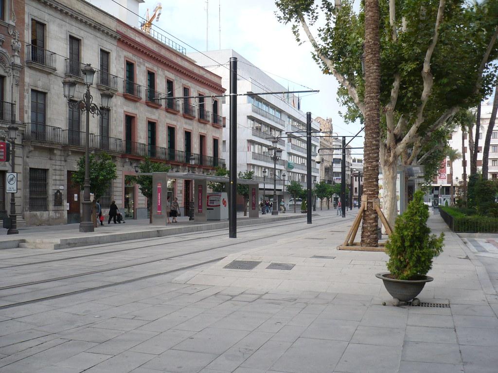 Parada del tranv�a en Plaza Nueva