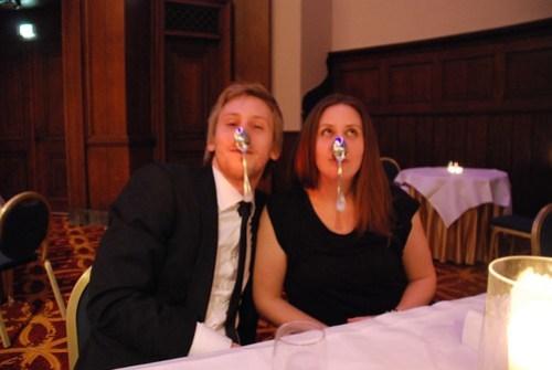Jim och Sofia doing the spoonbender