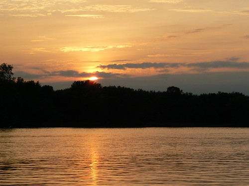 La Crosse, Wisconsin - Sunset Over Mississippi