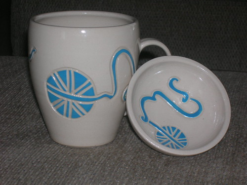 12-01 Yarn Mug & Dish