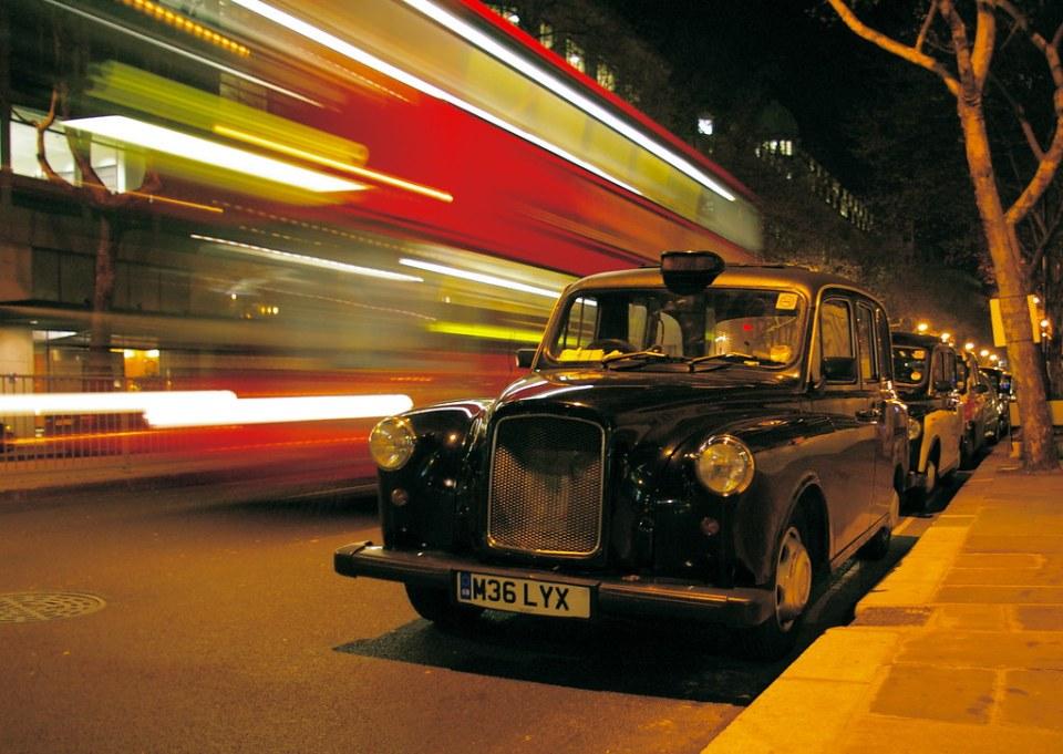 Night London traffic