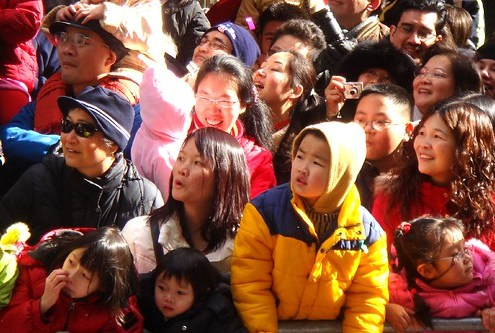 Chinatown;  parade spectators