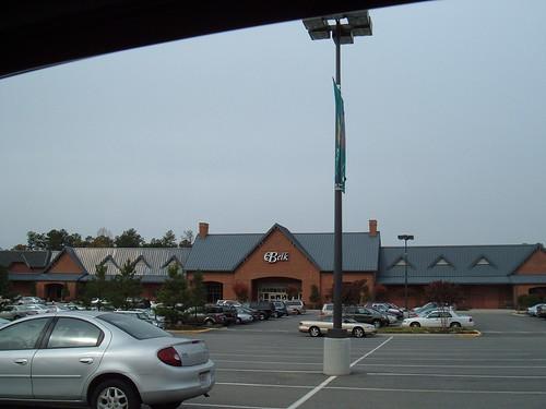 Belk (Williamsburg, VA @ Windsormeade Marketplace)