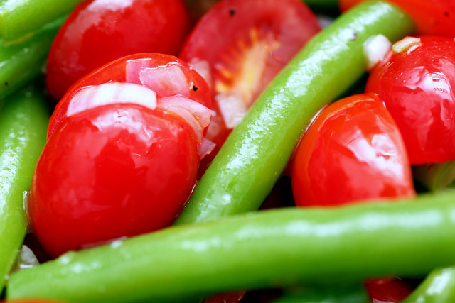 green bean and grape tomato salad
