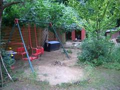 Spielecke im hinteren Gartenteil