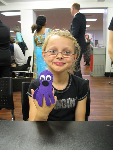Purple octopus fingerpuppet