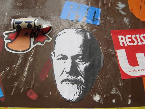 Freud, explícame tú esto: tnarik / Eduardo