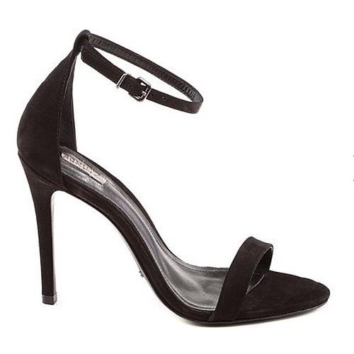 Chique, clean e elegante, a Gisele By Schutz é sempre uma escolha perfeita