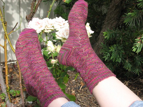 Finished Roseleaf Socks!!!