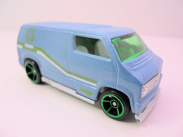 hot wheels color changers '77 custom dodge van (2)