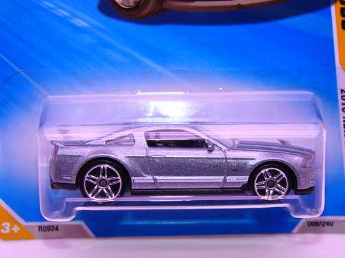 hot wheels '10 ford shelby gt500 (2)