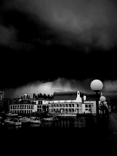 Mörka moln över Dunkers