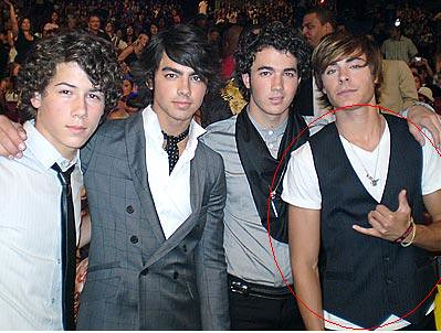 Jonas Brothers and Zac Efrone Picture