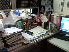 What do they say about a cluttered desk?