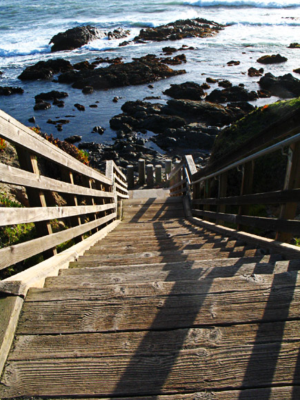 Stairs to Pacific shore at Lampton Cliffs County Park, Cambria