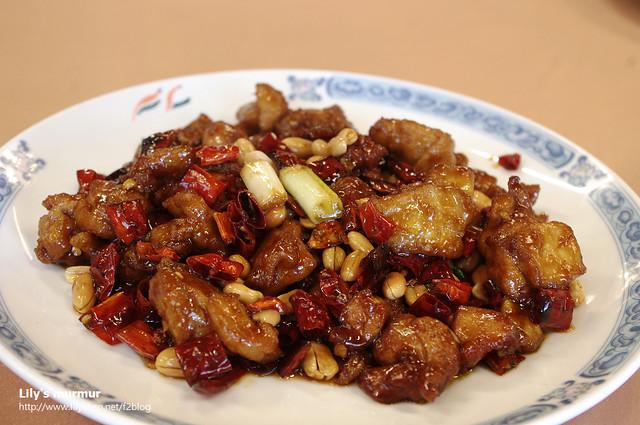 下飯的宮保雞丁,色香味俱全的一道菜。