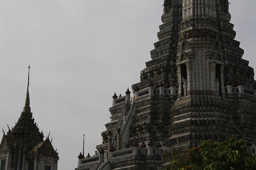 skyline of wat arun