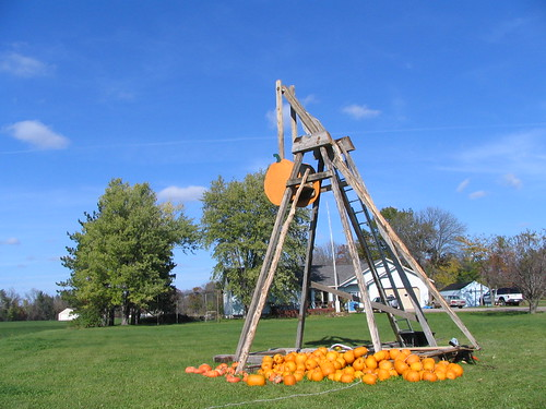 The Great Pumpkin Catapult, Grantsburg, Wisconsin, photo © 2007 by QuoinMonkey. All rights reserved.