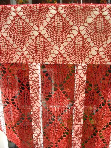 Cherry Leaf Lace shawl by amazing_podgirl.