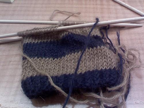 striped mitten 3