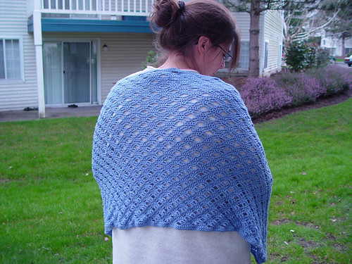* I love to see dainty, delicate & feminine crochet wraps/shawls!  :)