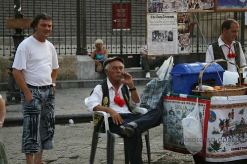 Granita seller + friend