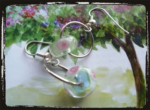 Orecchini fatti a mano con perla di Murano - Venetian lampwork Handmade Earrings MEHCMUCE